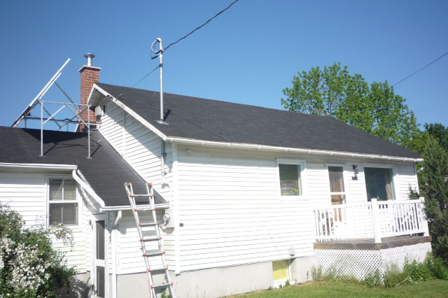 Residential roofing work site 3